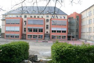 Rainer-Fetscher-Gymnasium Pirna - Sanierung Altbau, Neubau Verbindungstreppenhaus