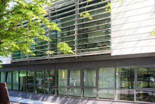 IFW Leibniz-Institut für Festkörper- und Werkstoffforschung e.V. Technik- und Bürogebäude in Dresden